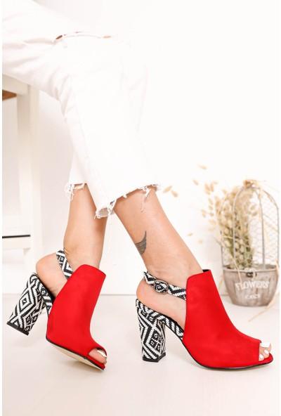 Hayalimdeki Ayakkabı Chloe Topuklu Kırmızı Süet Kilim Detaylı Sandalet
