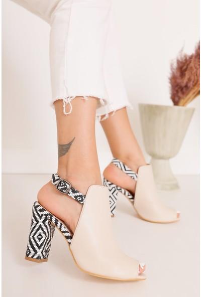 Hayalimdeki Ayakkabı Chloe Topuklu Krem Cilt Kilim Detaylı Sandalet