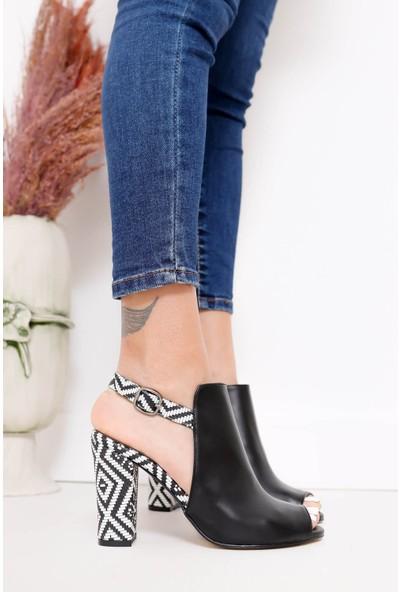 Hayalimdeki Ayakkabı Chloe Topuklu Siyah Cilt Kilim Detaylı Sandalet