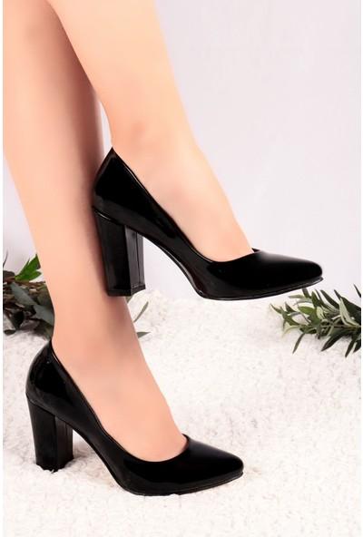 Hayalimdeki Ayakkabı Cina Siyah Rugan Topuklu Ayakkabı