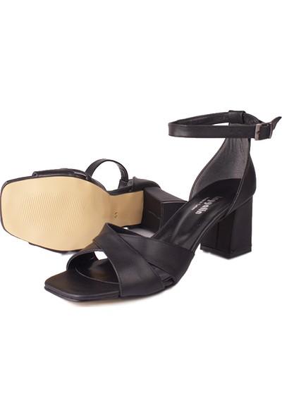 Loggalin 520060 014 Kadın Siyah Sandalet