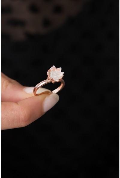 Elika Silver 14K Rose Altın Kaplama Beyaz Zirkon Taşlı Lotus Çiçeği Kadın Yüzük