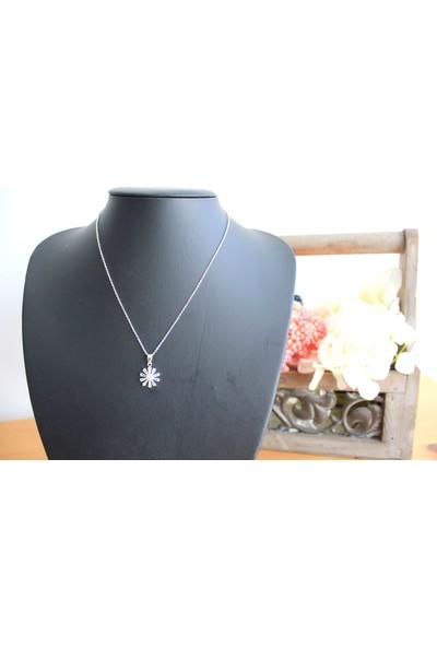 Arda Aksesuar Zirkon Taşlı Çiçek Figürlü Gümüş Renk Kaplama Kolye