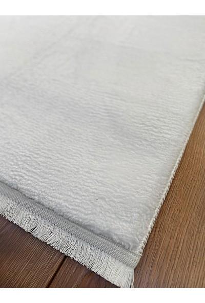 Markaev Peluş Shaggy Beyaz Kaymaz Yıkanabilir Halı 50 x 80 cm