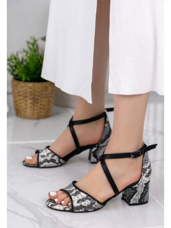 Erbilden Sherry Siyah Cilt Yılan Detaylı Topuklu Ayakkabı