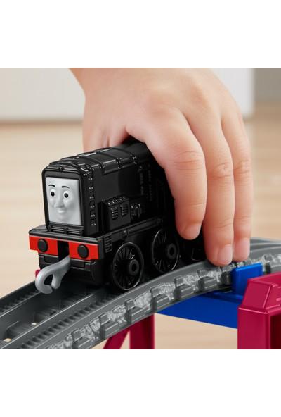 Thomas ve Arkadaşları Diesel Tünel Macerası Oyun Seti, Sür-Bırak Trenli, Metal Lokomotif ve Ray Seti GHK73
