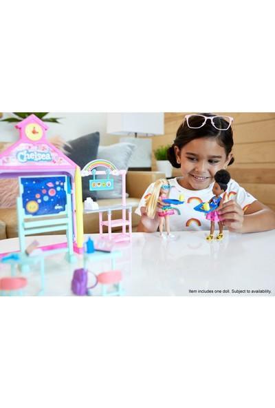 Barbie Chelsea Okulda Oyun Seti, 15 cm Boyunda, Sarışın, Aksesuarlı, 3-7 Yaş Arası İçin GHV80