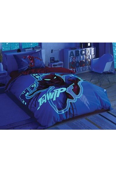 Taç Lisanslı Spiderman Light City Glow Nevresim Takımı