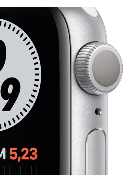 Apple Watch Nike Seri 6 40mm GPS Silver Alüminyum Kasa ve Pure Platinum/Siyah Nike Spor Kordon M00T3TU/A