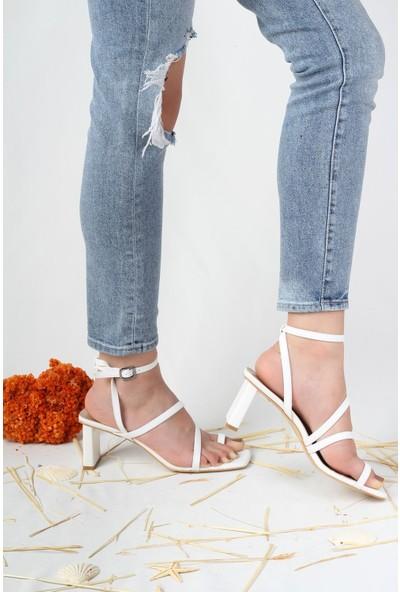 Modabuymus Parmak Arası Ince Bantlı Topuklu Beyaz Kadın Sandalet - Ferro