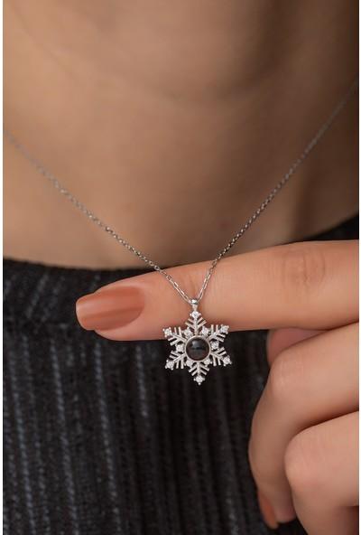 Nereze 925 Ayar Gümüş 100 Dilde Seni Seviyorum Kartanesi Kadın Gümüş Kolye