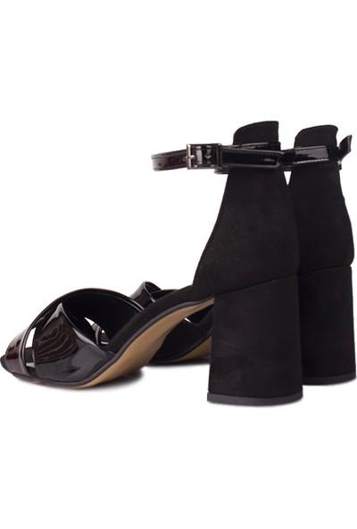Loggalin 111171 024 Kadın Siyah Topuklu Büyük & Küçük Numara Sandalet