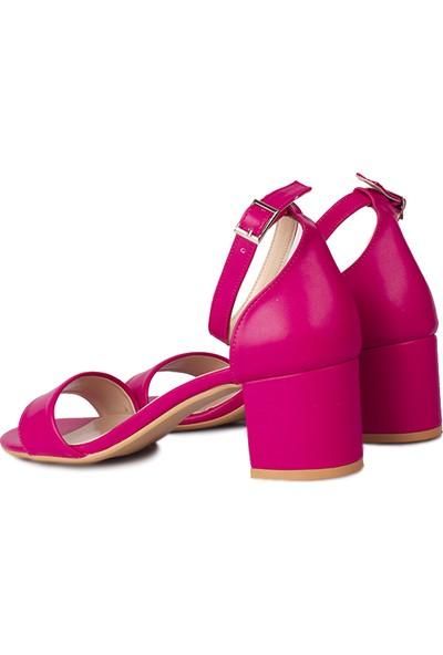 Loggalin 111272 914 Kadın Fuşya Cilt Topuklu Büyük & Küçük Numara Sandalet