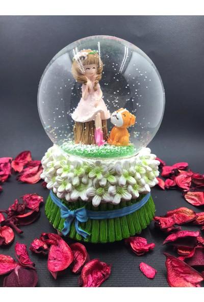 Çiko Toys Romantik Sevimli Kız ve Ayıcık Kendinden Püskürtmeli Müzikli Işıklı Pilli Büyük Boy Kar Küresi