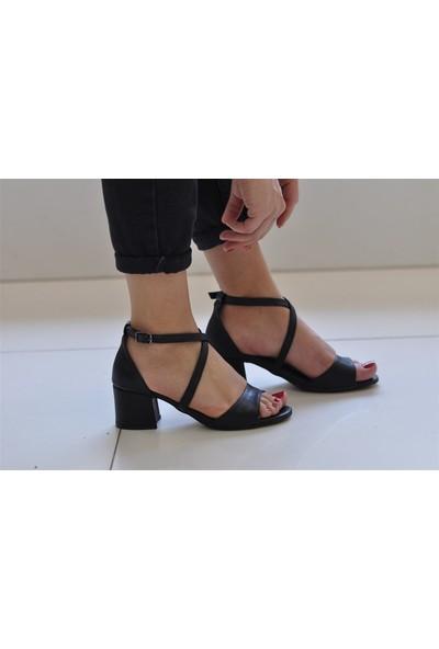 Masis Jaka Siyah Topuklu Sandalet