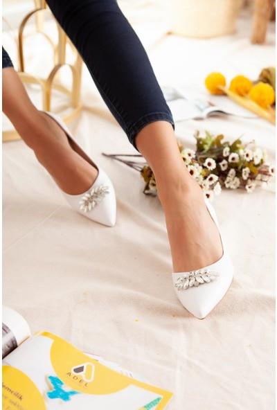 Limoya Casey Beyaz Taşlı Kısa Topuklu Ayakkabı