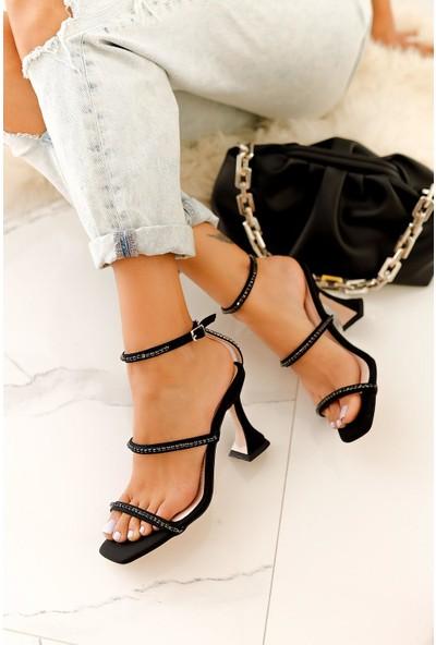 Limoya Reece Siyah Saten Taş Detaylı Sandalet