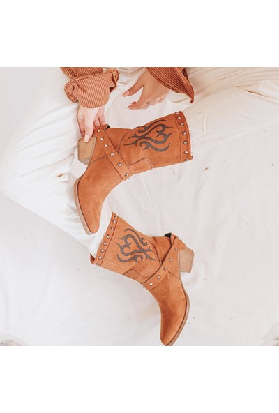 Limoya Roar Taba Süet Lazer İşlemeli Zımbalı Kovboy Çizme ( Kemer Aksuarı Tamamen Çıkabilir )
