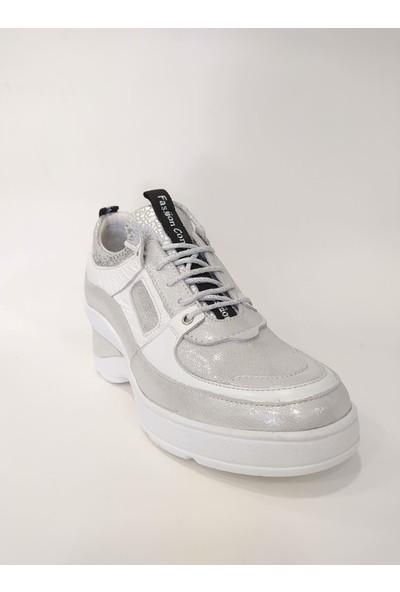 Venüs 2013005Y Dolgu Topuk Kadın Deri Spor Ayakkabı