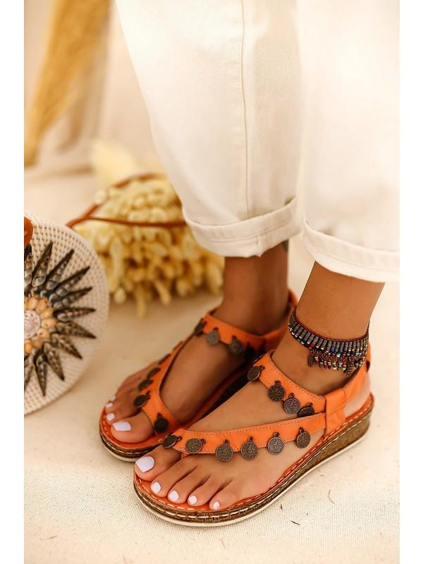 Limoya Lilah Portakal Deri Para Detaylı Sandalet