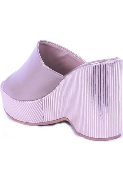 Ustalar Ayakkabı Altın Kadın Dolgu Terlik 495.1015