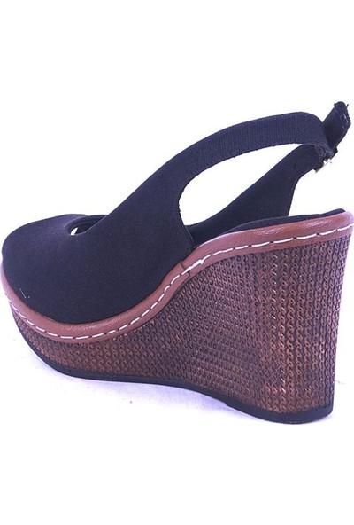 Ustalar Ayakkabı Siyah Kadın Dolgu Topuk Sandalet 494.407