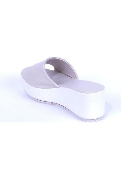 Ustalar Ayakkabı Bej Kadın Dolgu Topuklu Terlik 542.2023