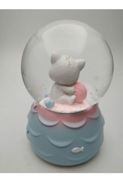 Ema Lucky Cat Şanslı Kedi Kar Küresi 9x14 cm Müzikli Rgb LED Işıklı Hediyelik Dekoratif