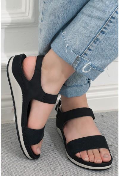 Adım Adım Siyah Kadın Düz Sandalet