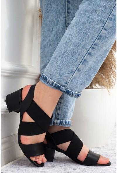 Adım Adım Siyah Kadın Topuklu Sandalet