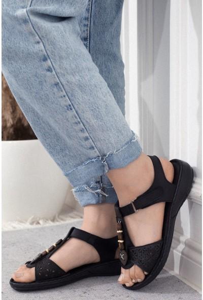 Adım Adım Siyah Kadın Dolgu Topuklu Sandalet