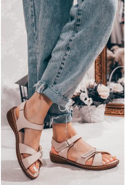 Adım Adım Bej Kadın Düz Sandalet