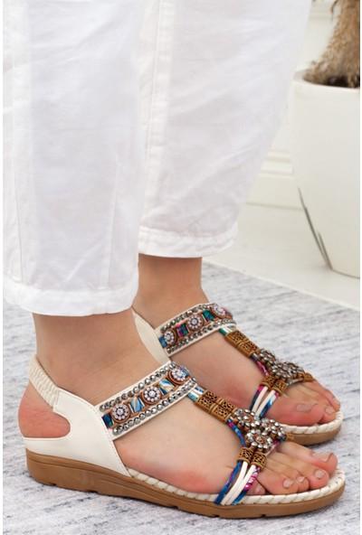Adım Adım Beyaz Kadın Düz Sandalet