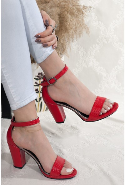 Adım Adım Kırmızı Kadın Topuklu Sandalet