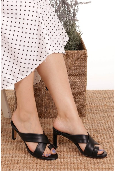 Mio Gusto Giselle Parmak Arası Siyah Topuklu Terlik