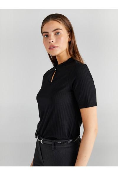 Faik Sönmez Kadın Fitil Örgü Büzgü Yakalı T-Shirt 61610