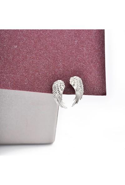 Jelux Silver Melek Model İşlemeli Gümüş Çivili Küpe