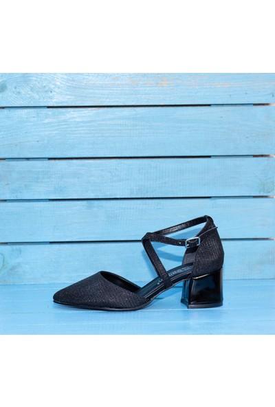 Papuç Simli Yanları Açık Çapraz Bilekten Baglamalı Siyah Küt Rugan Topuklu Ayakkabı
