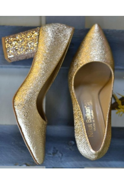 Papuç Topuğu Taşlı Altın Rengi Topuklu Ayakkabı