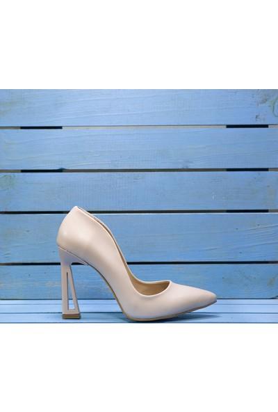 Papuç Bej Üçgen Topuk Model Topuklu Ayakkabı