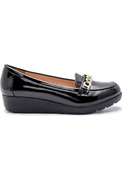 Derimod Kadın Rugan Ayakkabı