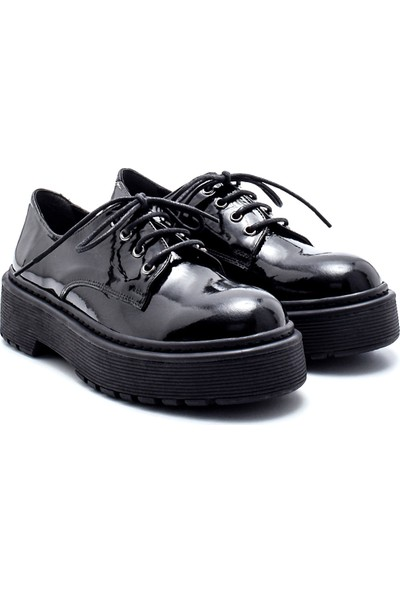Derimod Kadın Deri Rugan Kalın Tabanlı Ayakkabı