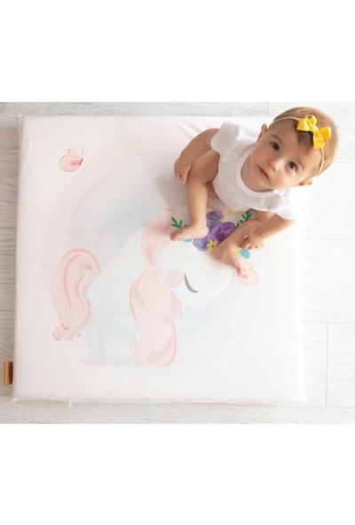 Baby Z Unicorn Desenli Küçük Kare Oyun Matı