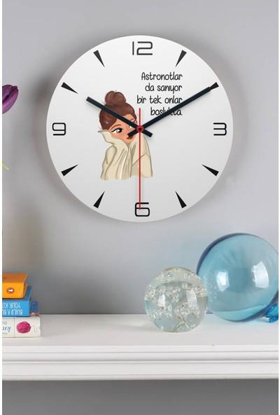 Hediye Dükkanı Hediyedukkani Astronotlar Sanıyor Ahşap Duvar Saati