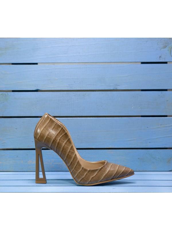 Papuç Açık Kahverengi Kroko Üçgen Topuk Model Topuklu Ayakkabı
