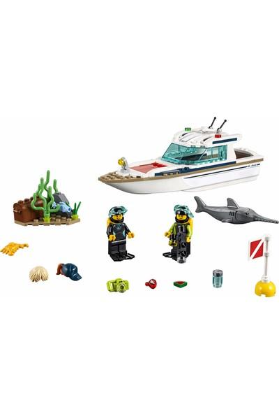LEGO City Great Vehicles Dalış Teknesi 60221 Yapı Kiti (148 Parça)