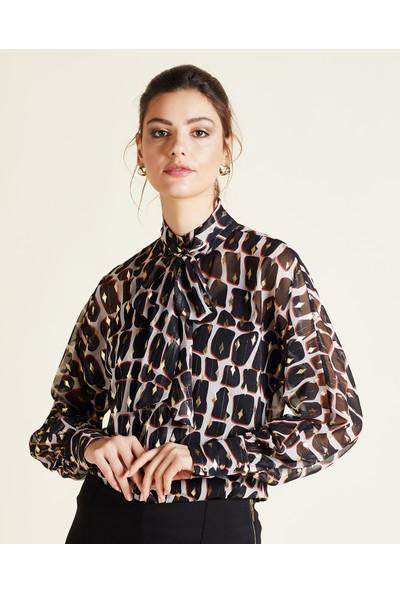Serpil Fular Yakalı Bluz