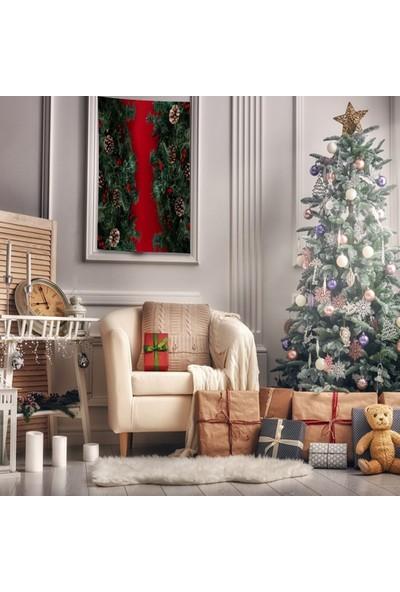 Henge Kırmızı Zemin Üzerine Noel Kozalak Çam Dalları Duvar Perdesi - Duvar Örtüsü