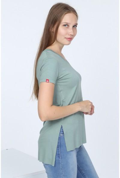1moda1tarz Kadın V Yaka Yanı Yırtmaç Detaylı Viscon Bluz