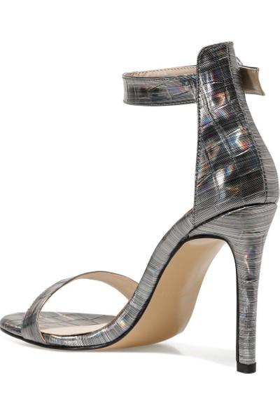 Nine West Lındıt Gümüş Kadın Topuklu Sandalet